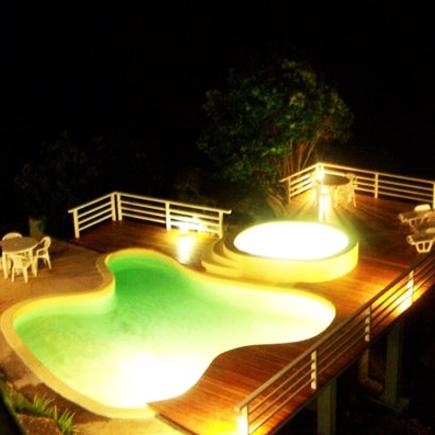 la-casa-del-agua-pileta-noche